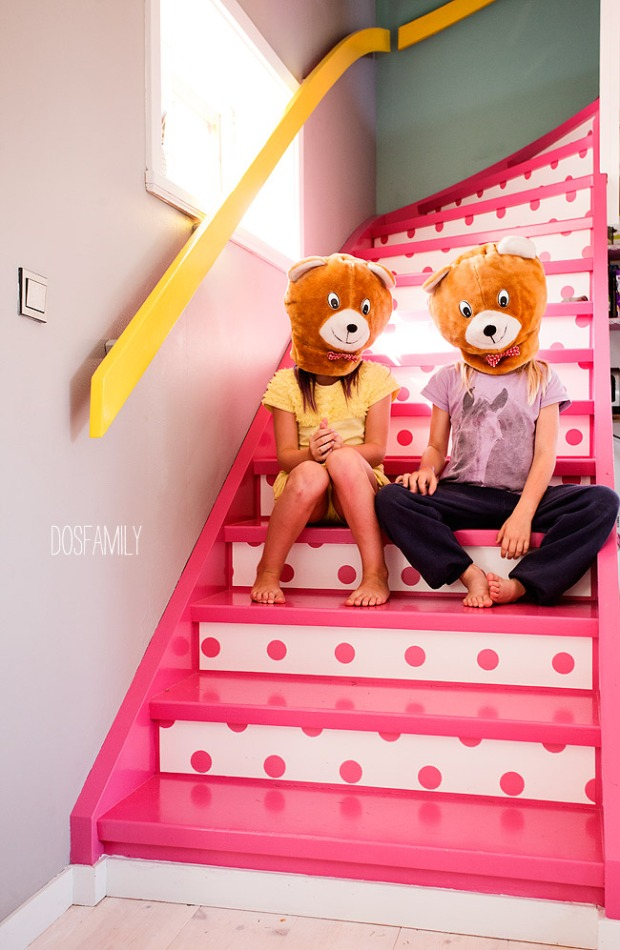dosfamily-dottedstairswithbears